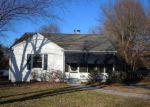 Foreclosed Home in High Point 27262 GATEWOOD AVE - Property ID: 4232293557