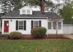 Foreclosed Home in Euclid 44123 LAKE EDGE DR - Property ID: 4232389469