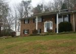 Foreclosed Home in Kingsport 37663 OLD MORELAND DR - Property ID: 4232614139