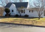 Foreclosed Home in Waterbury 06706 PEARL LAKE RD - Property ID: 4232728910