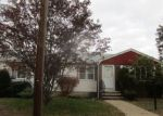 Foreclosed Home in North Providence 02911 METCALF AVE - Property ID: 4234411149