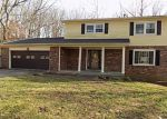 Foreclosed Home in Louisville 40214 GLIMMER WAY - Property ID: 4234775105