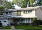 Foreclosed Home in Lincolnwood 60712 N LONGMEADOW AVE - Property ID: 4234823286