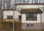 Foreclosed Home in East Stroudsburg 18301 WOODLAND DR - Property ID: 4236335171