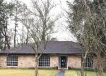 Foreclosed Home in Baton Rouge 70815 MOLLYLEA DR - Property ID: 4237954363