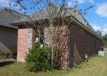 Foreclosed Home in Denham Springs 70726 ESTELLE DR - Property ID: 4239519247