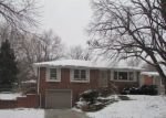 Foreclosed Home in Lincoln 68505 MEADOW DALE DR - Property ID: 4240071537