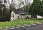 Foreclosed Home in Guntersville 35976 BEARD ST - Property ID: 4240947485