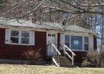 Foreclosed Home in Norway 04268 DON HUNT RD - Property ID: 4245310578