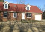 Foreclosed Home in Clarksville 37042 HELTON DR - Property ID: 4245900529