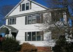 Foreclosed Home in Waterbury 06710 EARL ST - Property ID: 4246124778