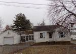 Foreclosed Home in East Alton 62024 W WOODLAND DR - Property ID: 4247132555