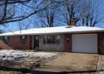Foreclosed Home in Waterloo 62298 MARK DR - Property ID: 4247199113