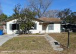 Foreclosed Home in Pleasanton 78064 OAKCREST DR - Property ID: 4247585410