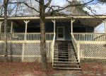 Foreclosed Home in Effingham 29541 ROUNDTREE RD - Property ID: 4249427985