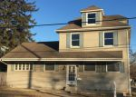 Foreclosed Home in Avenel 7001 RAHWAY AVE - Property ID: 4250263182