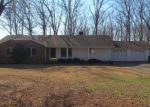 Foreclosed Home in Centerville 37033 N OAK DR - Property ID: 4251063815