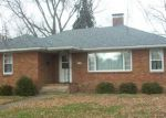 Foreclosed Home in Watseka 60970 E MULBERRY ST - Property ID: 4251528497