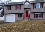 Foreclosed Home in New Britain 6053 STONEGATE RD - Property ID: 4252238448