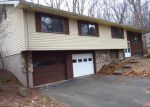 Foreclosed Home in Manchester 06042 CARPENTER RD - Property ID: 4253399969