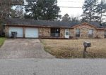 Foreclosed Home in Lufkin 75901 MOFFETT RD - Property ID: 4257012364