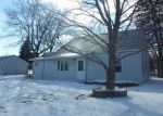 Foreclosed Home in Waterloo 50703 LONGFELLOW AVE - Property ID: 4258502351