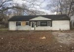 Foreclosed Home in East Saint Louis 62206 LOUISE LN - Property ID: 4258546143