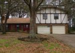 Foreclosed Home in Gladewater 75647 FOREST HILLS ST - Property ID: 4259455835