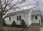 Foreclosed Home in Clinton 52732 PARK PL - Property ID: 4262381491