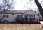 Foreclosed Home in Topeka 66604 SW HUNTOON ST - Property ID: 4262390243