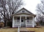 Foreclosed Home in Topeka 66606 SW WARREN AVE - Property ID: 4262394635