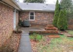 Foreclosed Home in Elizabethtown 42701 MEADOWVIEW DR - Property ID: 4262412140