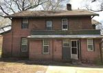 Foreclosed Home in Jackson 38301 W KING ST - Property ID: 4264676921