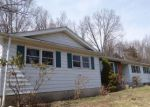 Foreclosed Home in New Milford 06776 ELIZABETH LN - Property ID: 4266646932