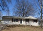 Foreclosed Home in Topeka 66614 SW 31ST ST - Property ID: 4267391475