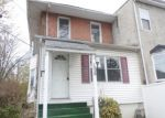 Foreclosed Home in Sharon Hill 19079 ELMWOOD AVE - Property ID: 4268963362