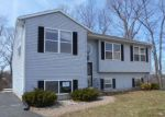 Foreclosed Home in New Haven 06513 LAURA CIR - Property ID: 4270061362