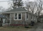 Foreclosed Home in Warwick 2889 OTTAWA AVE - Property ID: 4270239621