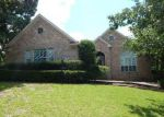 Foreclosed Home in Montgomery 77356 BLUE HILL DR - Property ID: 4271632821