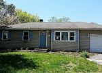 Foreclosed Home in Shirley 11967 HELENE DR - Property ID: 4272724235