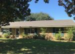 Foreclosed Home in Monroe 71201 JOHN CIR - Property ID: 931608518