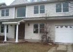 Short Sale in Merrick 11566 HAMPTON WAY - Property ID: 6115313246