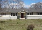 Short Sale in Shelbyville 37160 WOODLAND DR - Property ID: 6124971459