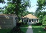 Short Sale in Glen Burnie 21060 LOCUST GROVE RD - Property ID: 6171614372