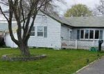 Short Sale in Central Islip 11722 BIRCH ST - Property ID: 6237965238