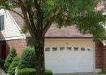 Short Sale in Saint Louis 63128 DUCHESNE PARQUE DR - Property ID: 6244144176