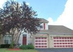 Short Sale in Oswego 60543 MANHATTAN CIR - Property ID: 6250700660
