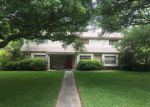 Short Sale in Alvin 77511 HILLCREST DR - Property ID: 6276677329