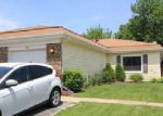 Short Sale in Glendale Heights 60139 GOLDEN DR - Property ID: 6285587471