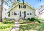 Short Sale in Downers Grove 60515 CUMNOR RD - Property ID: 6296217997